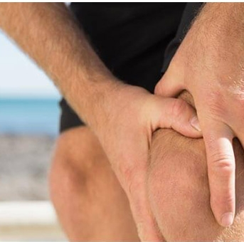Use a hard band to treat swelling